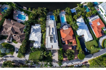 Home for Sale at 462 N Parkway, Golden Beach FL 33160