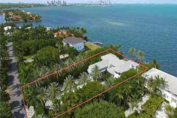 Home for Sale at 12 Tahiti Beach Island, Coral Gables FL 33143