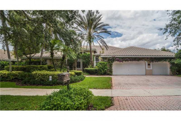 Home for Sale at 112 Dockside Cir, Weston FL 33327