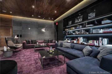 Home for Rent at 68 SE 6 #3402, Miami FL 33131