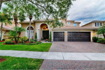 Home for Sale at 19157 S Gardenia Ave, Weston FL 33332