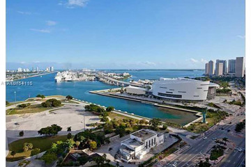 Home for Sale at Miami Condo/co-op/villa/townhouse, Miami FL 33132