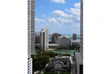 Home for Rent at 68 SE 6th St #1609, Miami FL 33131