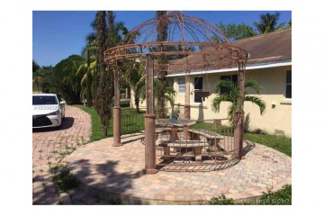 Home for Sale at 1642 Adams St, Hollywood FL 33020
