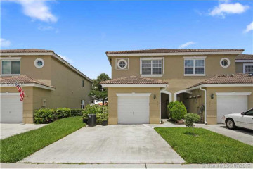 Home for Sale at 301 SW 120th Ave, Pembroke Pines FL 33025