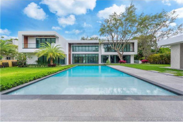 Home for Sale at 1641 S Bayshore Dr, Miami FL 33133