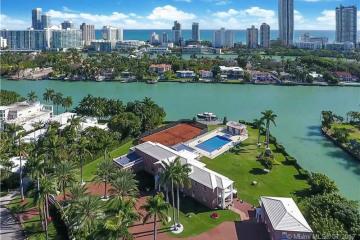 Home for Sale at 100 La Gorce Cir, Miami Beach FL 33141