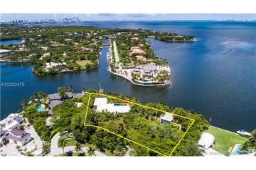 Home for Sale at 235 Solano Prado, Coral Gables FL 33156