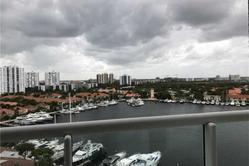 Home for Sale at 21055 Yacht Club Dr #1408, Aventura FL 33180