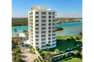 Home for Sale at 425 Beach #6-o #6-O, Tequesta FL 33469