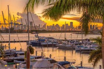Home for Sale at 1000 S Pointe Dr #Th-m4, Miami Beach FL 33139