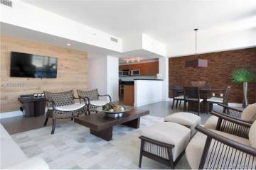 Home for Sale at 244 Biscayne Blvd #4704, Miami FL 33132