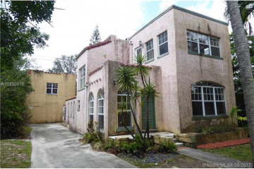 Home for Sale at 812 NE 81st St, Miami FL 33138
