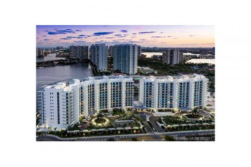 Home for Sale at 3250 NE 188th St #UPH07, Aventura FL 33180