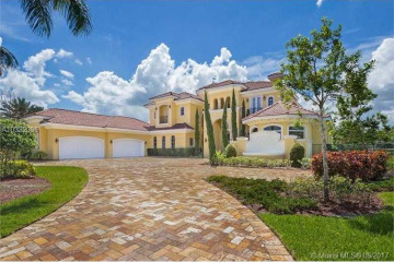 Home for Sale at 3150 Islewood Ave, Weston FL 33332