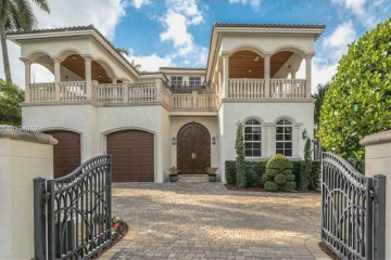 Home for Sale at 260 S Parkway, Golden Beach FL 33160