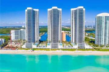 Home for Sale at 15811 Collins Ave #2103, Sunny Isles Beach FL 33160