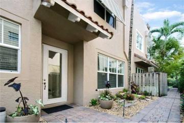 Home for Sale at 1120 NE 1st St, Fort Lauderdale FL 33301