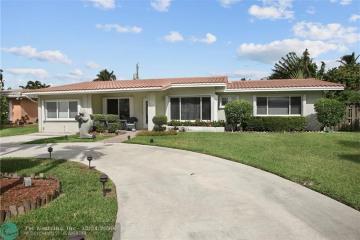 Home for Sale at 2755 SE 5th Ct, Pompano Beach FL 33062