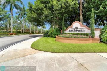 Home for Sale at 1360 Veracruz Ln #2-8, Weston FL 33327