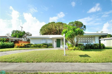 Home for Sale at 5901 NE 21st Rd, Fort Lauderdale FL 33308