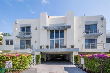 Home for Sale at 727 SE 13th St, Fort Lauderdale FL 33316