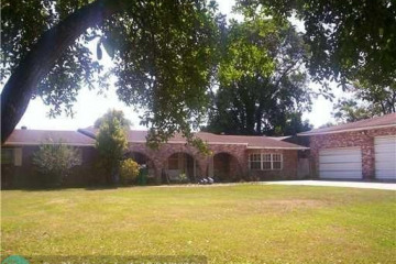 Home for Sale at 11700 NW 8th St, Plantation FL 33325
