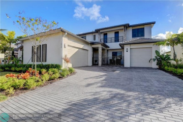 Home for Sale at 10800 Estuary Drive, Parkland FL 33076