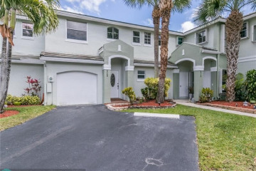 Home for Sale at 4708 Grapevine Way, Davie FL 33331