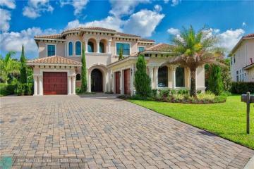 Home for Sale at 10163 Sweet Bay Mnr, Parkland FL 33076
