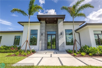 Home for Sale at 4841 SW 76th Ave, Davie FL 33328