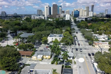 Home for Sale at 220 SE 12th St, Fort Lauderdale FL 33316