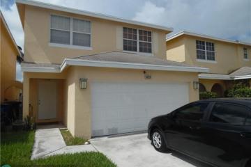 Home for Sale at 4059 Eastridge Cir, Pompano Beach FL 33064