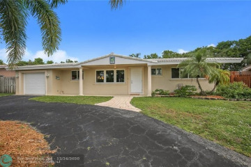 Home for Sale at 2751 NE 53rd Ct, Lighthouse Point FL 33064
