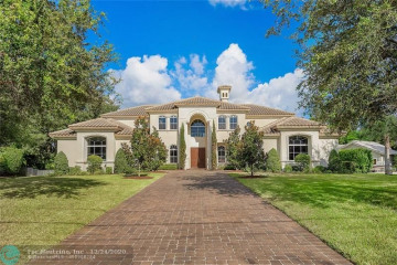 Home for Sale at 6276 NW 75th Wy, Parkland FL 33067