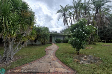 Home for Sale at 7950 NW 82nd Ter, Parkland FL 33067