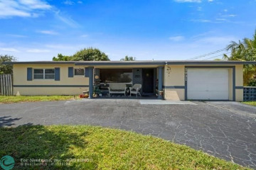 Home for Sale at 5031 NE 23rd Ter, Lighthouse Point FL 33064