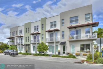 Home for Sale at 131 NE 43rd St, Oakland Park FL 33334