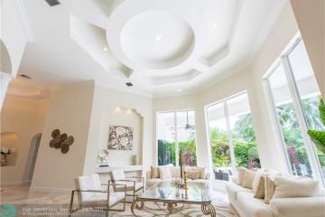 Home for Sale at 10390 Golden Eagle Ct, Plantation FL 33324