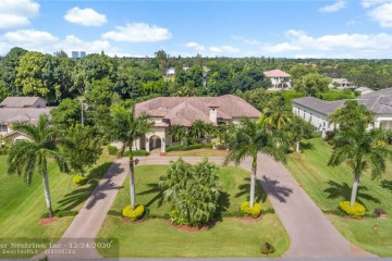 Home for Sale at 11601 NW 6th Pl, Plantation FL 33325