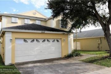 Home for Sale at 124 W Riverbend Dr, Sunrise FL 33326