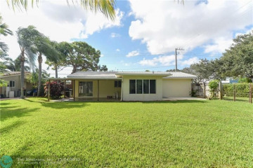 Home for Sale at 2701 NE 53rd Ct, Lighthouse Point FL 33064