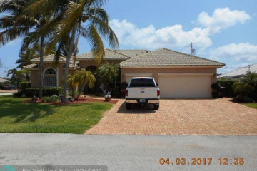 Home for Rent at 5210 NE 28th Ave, Lighthouse Point FL 33064