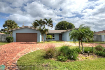 Home for Sale at 4430 NE 28th Ter, Lighthouse Point FL 33064