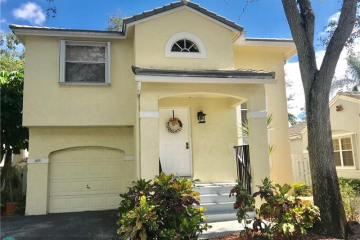 Home for Sale at 805 NW 98th Ave, Plantation FL 33324