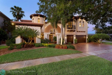 Home for Sale at 2431 NE 48th Ct, Lighthouse Point FL 33064