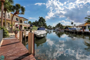 Home for Sale at 2832 NE 32nd St, Lighthouse Point FL 33064