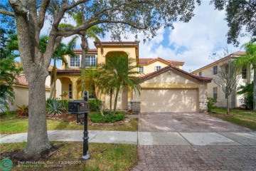 Home for Rent at 4102 Pinewood Ln, Weston FL 33331