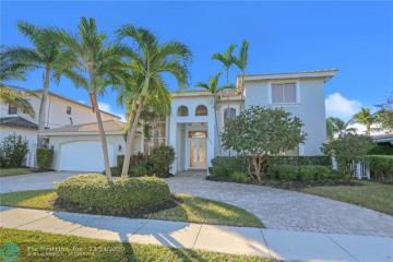 Home for Sale at 2830 NE 48th Ct, Lighthouse Point FL 33064