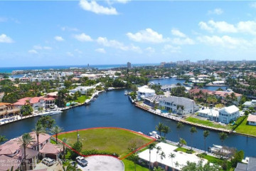 Home for Sale at 2530 NE 32nd Ct, Lighthouse Point FL 33064